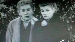 Lucy and Ethel change a tire