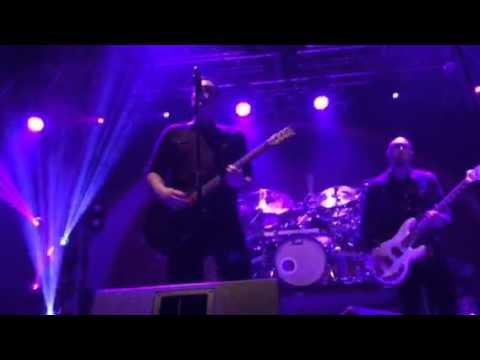 Breaking Benjamin - Fade Away (Live)