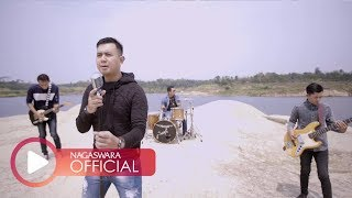 Download Merpati Band - Hatimu Sekeras Batu (Official Music Video NAGASWARA) #music Mp3