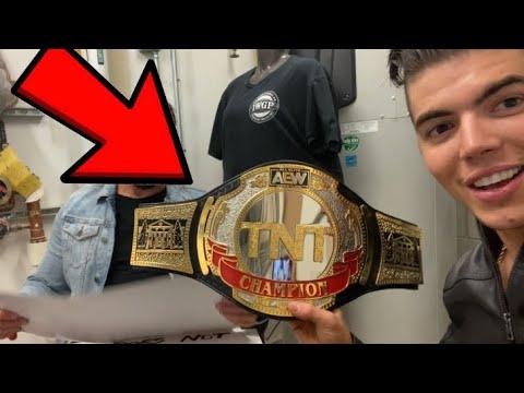 AEW Backstage at Dynamite Vlog (TNT Champion?!) - Vlog 318