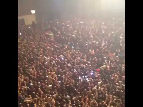 170319 WINGS TOUR BRAZIL - ARMYS SINGING BTS' BLOOD, SWEAT & TEARS BEFORE THE SHOW
