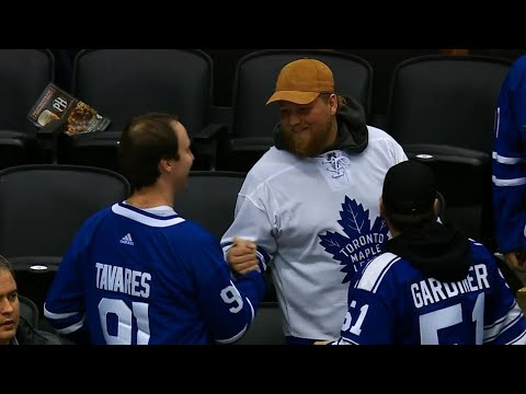 Supremely confident fans put Tavares' name on Maple Leafs jerseys