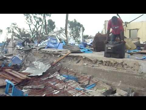 Congo-Brazzaville_scène apocalyptique post-explosion.AVI