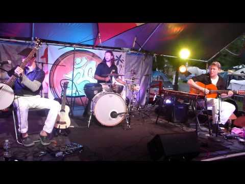 Catskill Chill 2013  -  Consider The Source  -  Saturday Night (1of4)