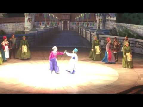 Frozen Live Finale at the Hyperion Theater HD