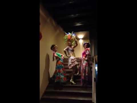 """Beatrice Papillon """"Chica Chica Boom Chic"""" - Carmen Miranda / Maria Alcina"""