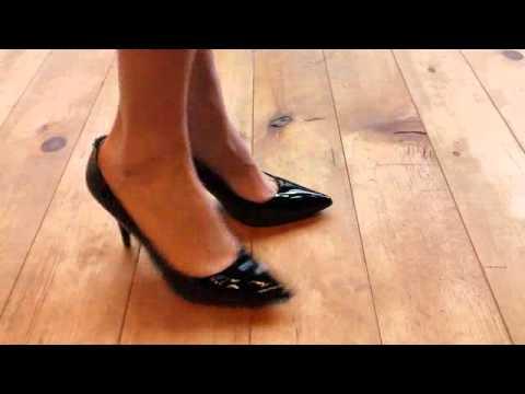 b25c18ddb49e MICHAEL KORS-FLEX MID PUMP - YouTube