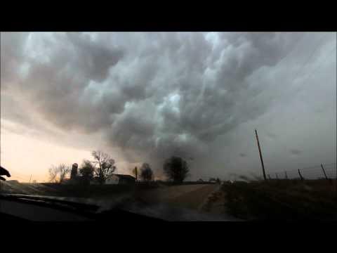 Intense Bow Echo and Damaging Winds Monroe County Iowa 4-27-14