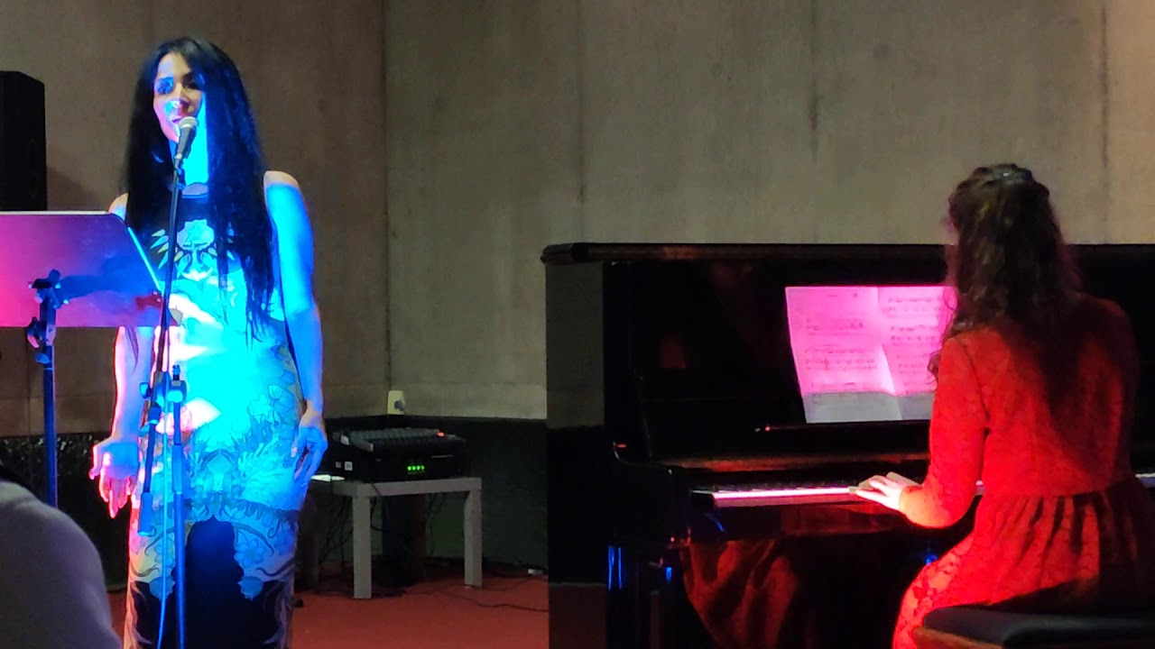 Caruso - Diana Dinu (Gesang) und Laura Maria Bastian am Klavier.