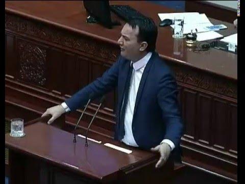 Сугарески: Ја зголемувате партиската администрација с...