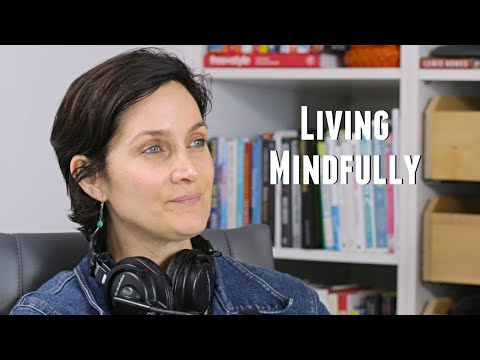 Carrie-Anne Moss on Living Mindfully with Lewis Howes