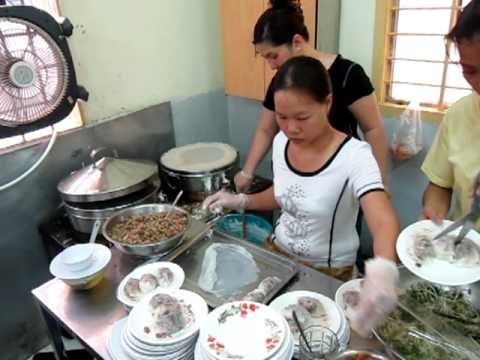 Making banh cuon at Thien Huong in Vietnam