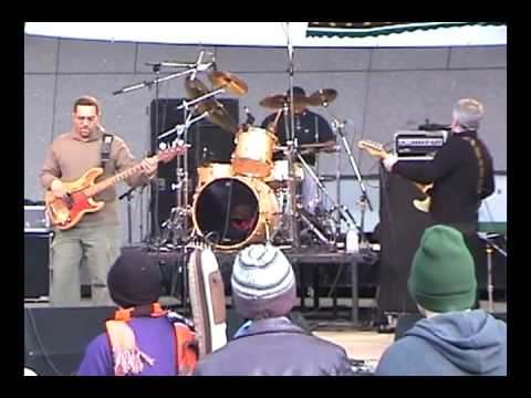 The Funky Meters (1 of 7) Little Old Money Maker 10/8/00 Cincinnati, OH