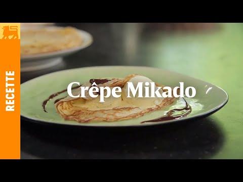 Crêpe Mikado à la glace à la vanille et sauce au chocolat
