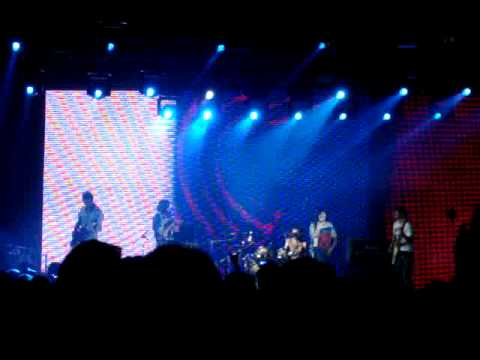 Cheese People - Catch U, live @ Arena Moscow (3.06.2011) mp3