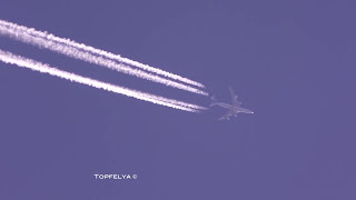 Aircraft Contrails