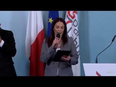 Il-Prim Ministru Joseph Muscat  jindirizza lin-nies fil-Birgu. 26-11-2017