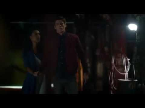 """Download The Flash S03E01 - """"I need you to kill my mother""""."""