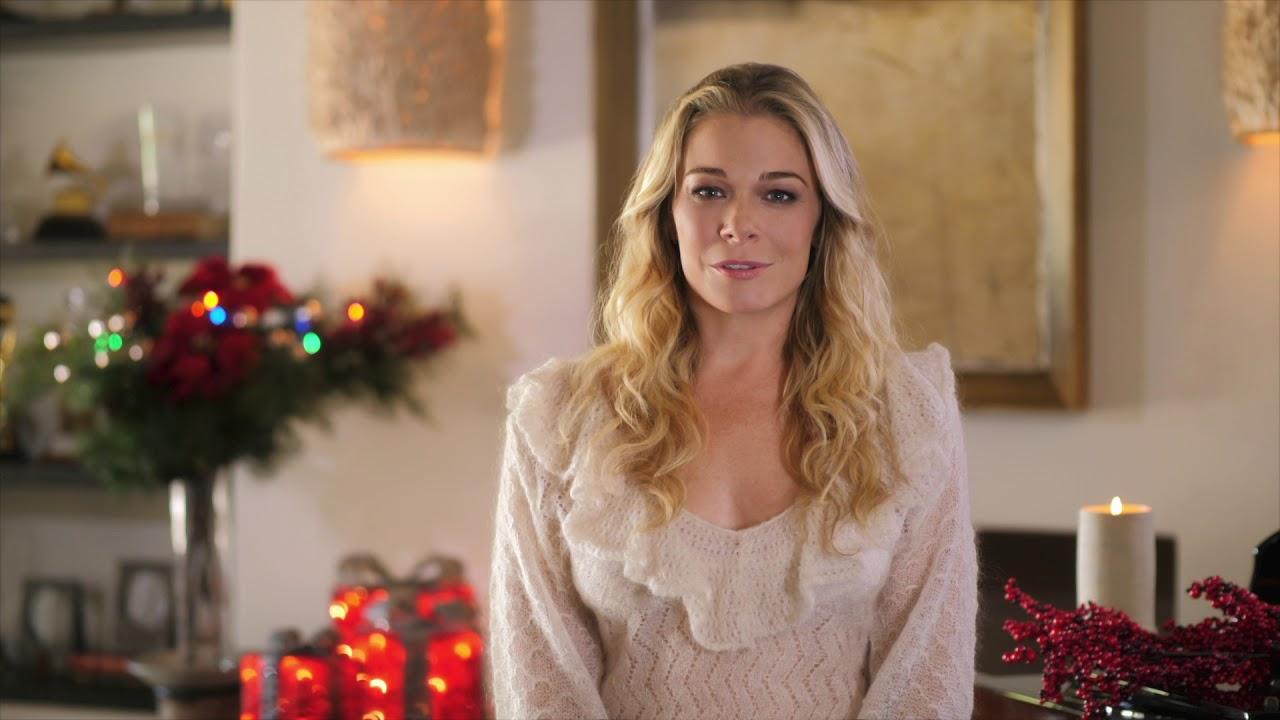 Leann Rimes It S Christmas Eve Soundtrack Out Now