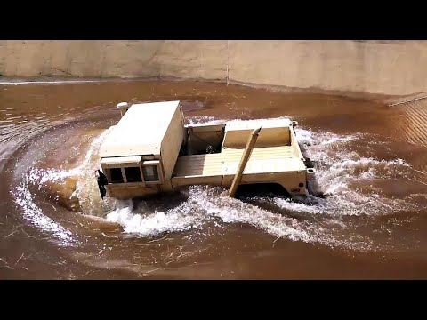 US Marines Vehicles & Humvee River Fording Training