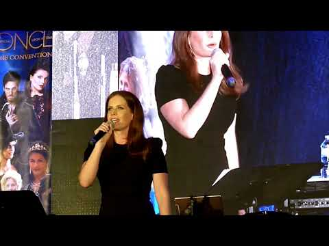 Bex Mader singing Wicked Always Wins! Vancouver 2018