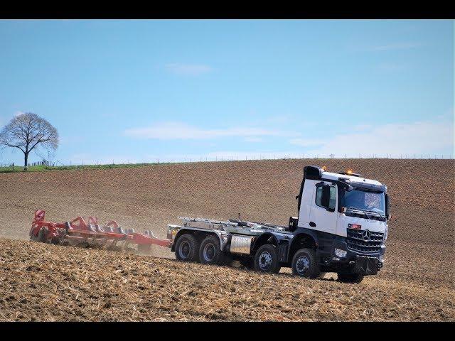 Agrotruck - Abrollkipper mit Schlepperausrüstung