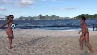 Такое возможно только на пляжах Бразилии