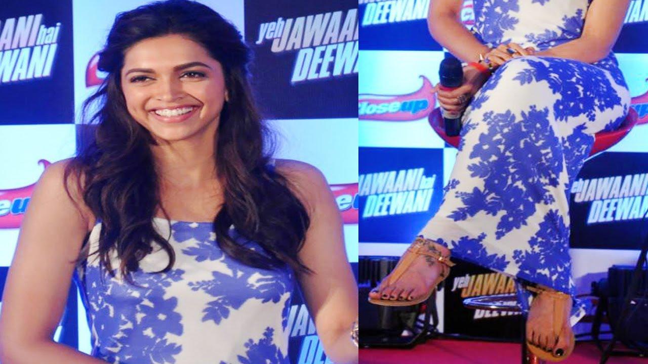 Deepika Padukone looks Mesmerizing in Blue and White Dress ...