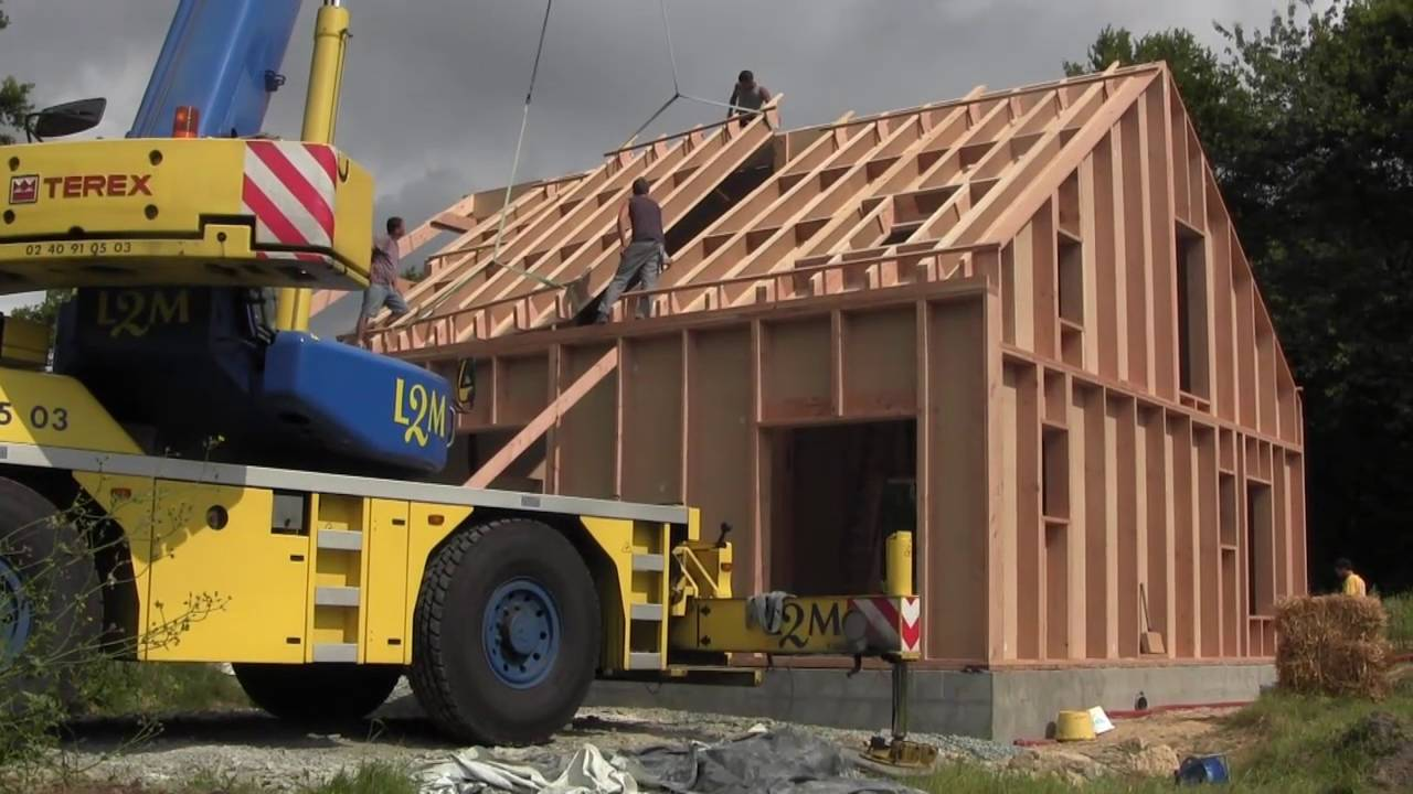 2014 Construction Maison Ossature Bois Isolation Paille   YouTube