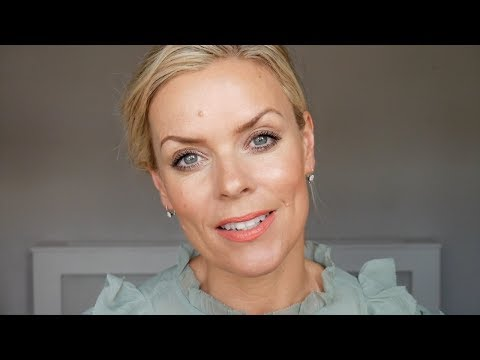 A Make Up Tutorial using Natural & Organic Products