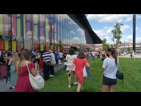 VÍDEOS | Protestas en el Palacio de Exposiciones por la confusión en la colocación de las colas