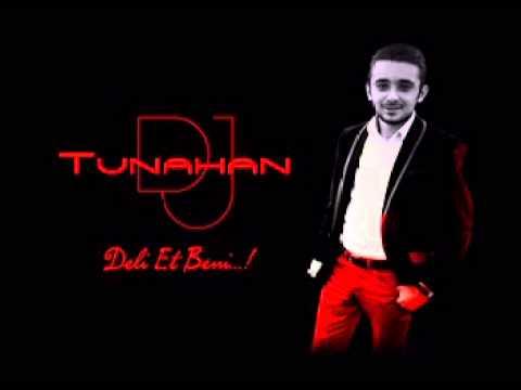 Download Ahmet Bb Ft Funda Deli Et Beni Remix