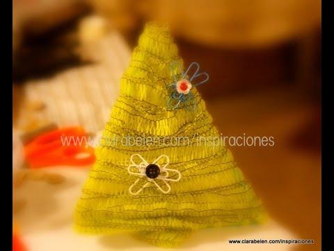fabricar un rbol de navidad para nios con pajitas confeti y lana