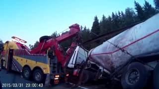 Грузовой эвакуатор, эвакуация цементовоза(, 2016-07-03T07:04:02.000Z)