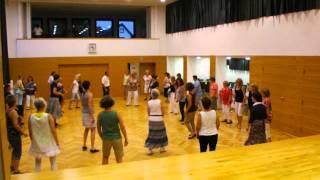 16 Step or Skip Circle Line Dance