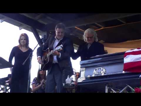 Ralph Stanley Memorial - Go Rest High On That Mountain Vince Gill, Ricky Skaggs, and Patty Loveless