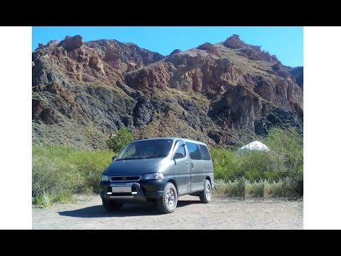 Toyota Granvia. Чарынский каньон
