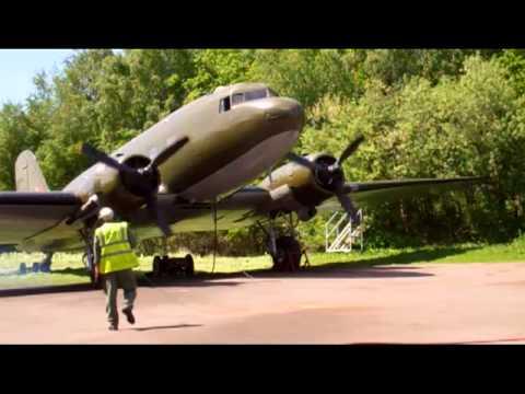 Douglas DC-3 Dakota vintage aircraft engine ground runs.