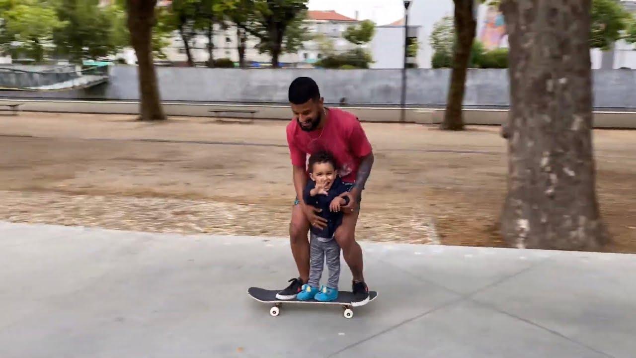 O TAYLOR ADOROU ANDAR DE SKATE