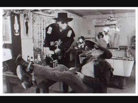 Waylon Jennings & Willie Nelson- Luckenbach, Texas (Back To The Basics Of Love)