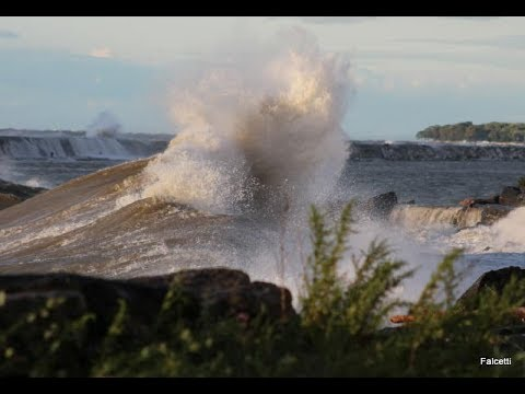 See 11 Foot Waves On Lake Ontario