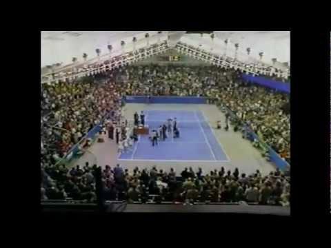 Stefan Edberg vs Yannick Noah 1985 Memphis victory ceremony
