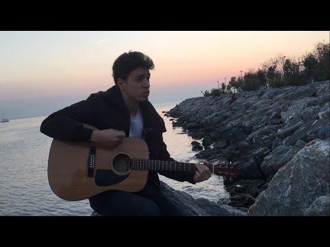 Arctic Monkeys  Crying Lightning Deniz Akbas Acoustic