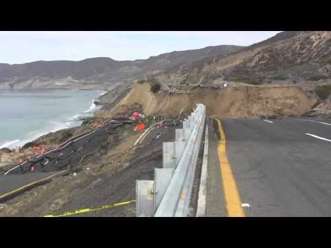 Mega derrumbe en escénica Ensenada Tijuana