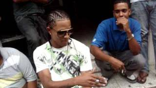 Mozart La Para Vs El Negro Ofy (2009) Freestyle