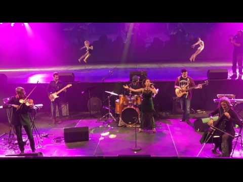 New life  en live au Dôme de Marseille - Anouchka Strauss