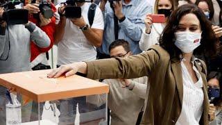 """AYUSO VOTA al grito de """"presidenta, presidenta"""" y lanza este AVISO en CLAVE NACIONAL"""