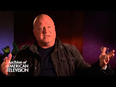 Michael Chiklis discusses playing the Commish - EMMYTVLEGENDS.ORG