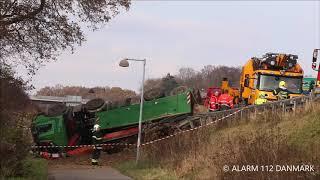 11.11.2019 - Lastbil vælter af Helsingørmotorvejen