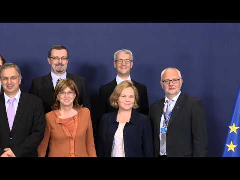 Meeting of the Education, Youth, Culture and Sport Council - Brussels 20.05.14 - Family photo